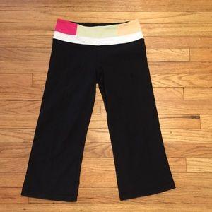 Lululemon black workout capri pants - sz 4